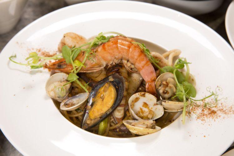 蘑菇pasta|東海超人氣義式餐館,海鮮燉飯鲜美多汁 ,讓人回味無窮!!