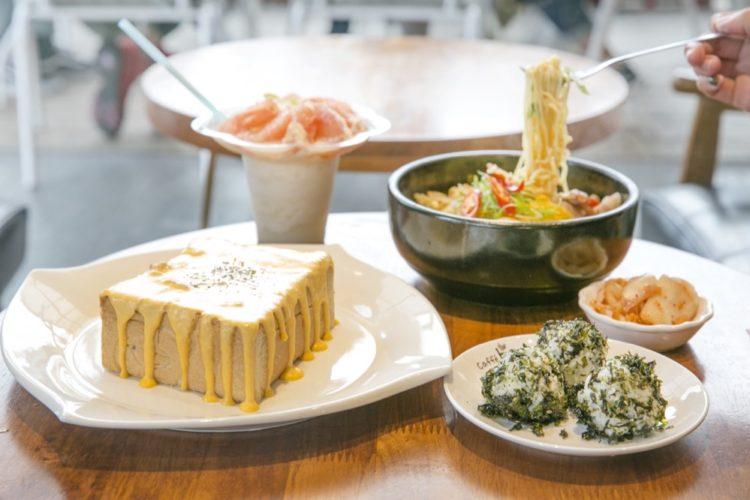 Caffebene海安藝文門市|能與歐爸一起享受的午茶時光。台南草莓甜點,少女心大爆發!