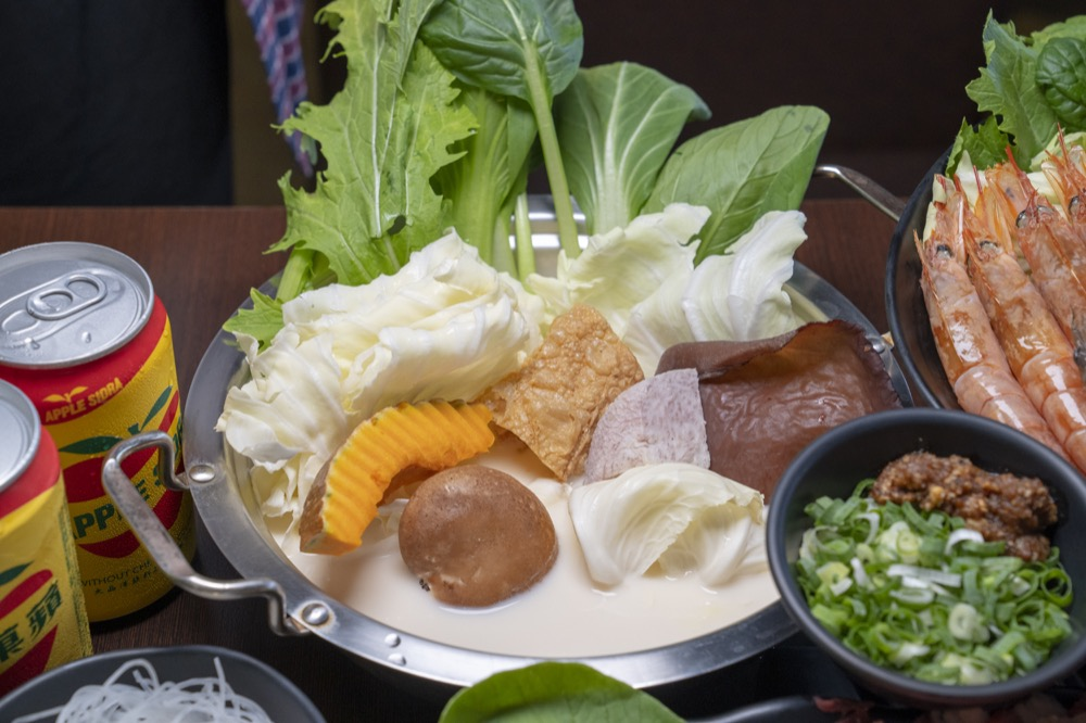 美食/台南火鍋 纓風鍋物|媽 今天龍蝦 牛肉任你點!母親節每一口都是精華的優質鍋物
