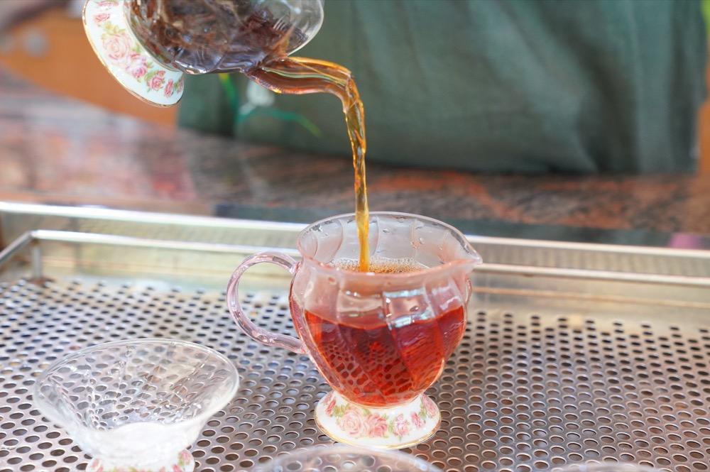 花蓮 嘉茗茶園|世界金牌級紅茶在這!嘉茗茶園「蜜香紅茶」茶香撲鼻,一入口甘醇柔順秒愛上