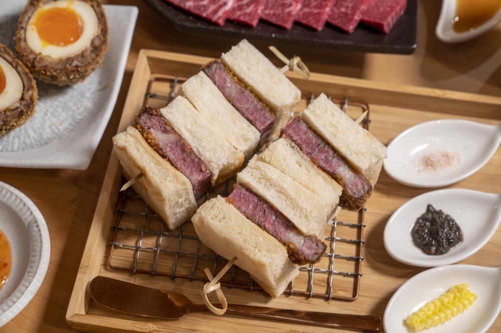台中美食 嵐山熟成牛かつ專売 肉食控天堂!人氣必點「炸牛菲力吐司」每日限量,厚食軟嫩每一口都驚艷!